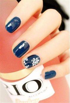 #nails #navy #blue #flakes