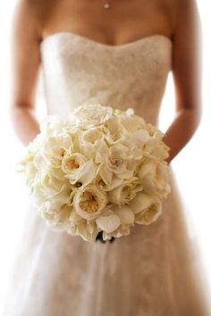aboutdetailsdetails.com | Wedding Bouquet | Bridesmaids Bouquet | Wedding Flowers | White Dress | White Roses | Rose Bouquet | Rose Bridal Bouquet |