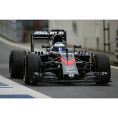 Fernando Alonso su McLaren Honda McLaren MP4-30 GP Austria 2015