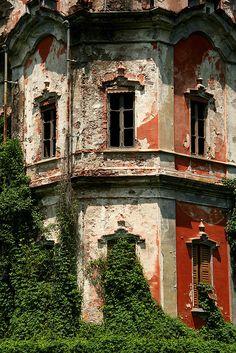 """Villa de Vecchi"""" (The Ghost Mansion), Near Lake Como, Italy"""