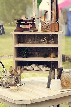 Barn Sale Review | An Artisan Affair by Kimberly Provo | All Photos taken by Nicole Gagliano Photography. #antiques #vintage #barnsale #country #etsy Blog post can be read at www.barnsalebusiness.com/2014/06/barn-sale-review-artisan-affair/