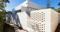 Breeze Block Wall Ideas - Internal walls ought to be orientated to permit for cross-ventilation. If you're tired of looking at a drab gray wall every single time you step into . by Joey Brick Fence, Front Yard Fence, Besser Block, Breeze Block Wall, Compound Wall Design, Little Architects, Brick Paneling, Brick Walls, Building A Fence