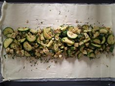 Schneller Zucchinistrudel - One pot rezepte Pizza Recipes, Cooking Recipes, Healthy Recipes, Fast Recipes, Zucchini Lasagne, Kale Pesto, Brunch Buffet, Dried Beans, Food Categories