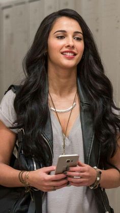 Selena Gomez Hd Wallpapers, Dope Wallpapers, Naomi Scott Power Rangers, Naomi Scott Photoshoot, The Most Beautiful Girl, Beautiful Women, Female Character Inspiration, Disney Jasmine, Princess Jasmine