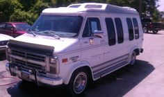 1985 Chevrolet Custom Van make offer - $2300 (Hendersonville)    Date: 2012-06-07,  9:17AM CDT  Reply to: q5nfm-3062820999@sale.craigslist.org [Errors when replying to ads?]        1985 Chevy Van 20 V8 305 98K original miles 1 OWNER van.. open title... Runs good new tires rear heat & air power windows and locks. Will make great travel van for family or band. Call with offers...    2300 obo      615 818 1024
