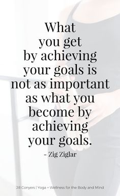 Do you know the ONE thing that can help you reach your health and fitness goals? Click through to find out and download the FREE goals tracker to set yourself up for #success! #wellness #selfcare #healthyliving #goals #motivation #quotes #zigziglarquotes