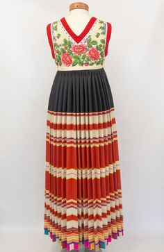 Eesti Rahvarõivad > Rahvarõivad Folk Costume, Costumes, Folk Clothing, Crocheting, Embroidery, Summer Dresses, How To Wear, Clothes, Fashion