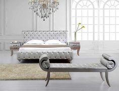 chambre-argent-lit-banquette-baroque-capitonnés