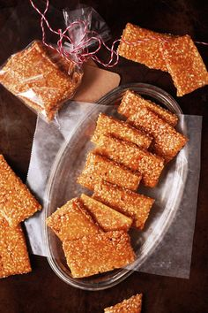 Crunchy salty sweet these homemade sesame snaps are a great replica of the classic candy! Candy Recipes, Baking Recipes, Dessert Recipes, Classic Candy, Peanut Brittle, Indonesian Food, Indonesian Desserts, Sweet And Salty, No Bake Desserts