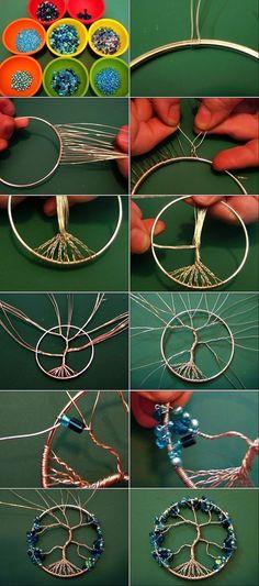 How to make a pearl dreamcatcher - DIY Schmuck Inspiration Wire Wrapped Jewelry, Wire Jewelry, Beaded Jewelry, Jewellery, Wire Crafts, Jewelry Crafts, Clay Crafts, Bijoux Fil Aluminium, Wire Trees