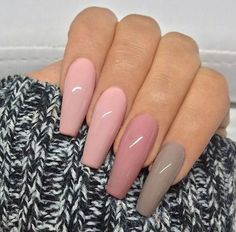 Semi-permanent varnish, false nails, patches: which manicure to choose? - My Nails Coffin Nails Long, Long Nails, Hair And Nails, My Nails, Taupe Nails, Soft Pink Nails, Pink Acrylic Nails, Zebra Nails, Sparkle Nails