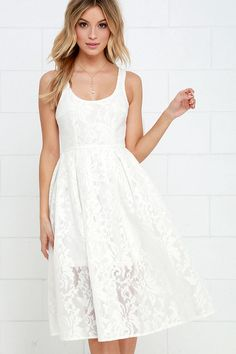 Ivory Lace Midi Dress//