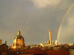 Viaggiatori, la foto del #buongiorno di lunedì 4 marzo non può che essere la nostra #bologna. #ciaolucio