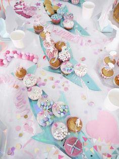 Meerjungfrauen Party - First Birthday Girl Hawaiian Baby Showers, Star Baby Showers, Baby Shower Parties, Baby Boy Shower, Mermaid Invitations, Birthday Invitations, Mermaid Birthday, Girl Birthday, Airplane Baby Shower