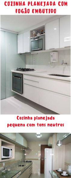 Cozinha planejada com fogão embutido.
