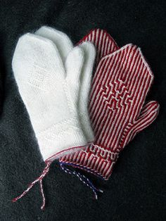 See the difference in appearance between the striped and the one colour mittens! The same pattern was used.