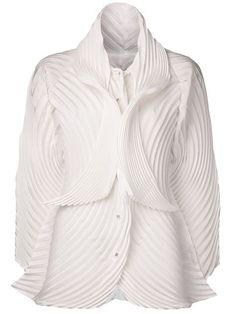 Shop Issey Miyake pleated blouse in Anastasia Boutique from the world's best independent boutiques at farfetch.com. Over 1000 designers from 60 boutiques in one website.
