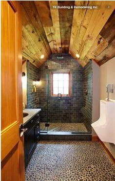 Wood in the bathroom? Why not.