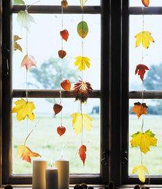 Ob Windlichter, Sträuße oder Kränze ➥ mit Herbstlaub lässt sich bestens dekorieren. Sieben leicht nachzumachende Dekoideen mit Herbstlaub.