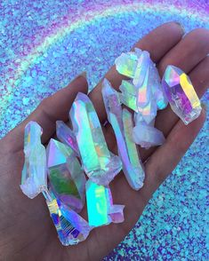 Holographic shared by Kamilė Gindulytė on We Heart It Minerals And Gemstones, Crystals Minerals, Rocks And Minerals, Stones And Crystals, Rainbow Aesthetic, Blue Aesthetic, Witch Aesthetic, Crystal Aesthetic, Magical Jewelry
