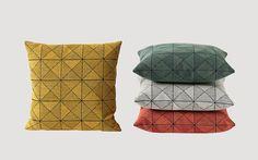 Coussin Tile gris by Muuto Muuto, Monochrome Color, Geometric Tiles, Weaving Process, Lounge Areas, Tile Patterns, Deco, Scandinavian Design, Three Dimensional