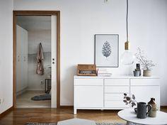 Gravity Home, Source: Stadshem Interior Design Inspiration, Decor Interior Design, Interior Styling, Interior Decorating, Ombre Wallpapers, Gravity Home, Room Decor, Wall Decor, Winter House