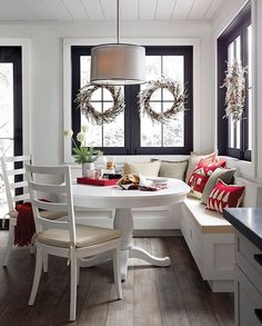 45 Rumors, Lies and Banquette Seating in Kitchen Breakfast Nooks Coin Banquette, Banquette Seating In Kitchen, Kitchen Benches, Dining Table In Kitchen, Kitchen Decor, Kitchen Ideas, Booth Seating In Kitchen, Kitchen Booths, Kitchen Inspiration