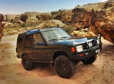Land Rover Discovery off roading in Utah