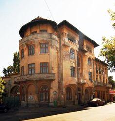 Historical Houses in Ploiesti, Romania www.observatorulph.ro