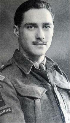 richard todd : british actor : parachute regiment