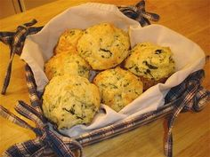 a savory muffin~spinach and cheese