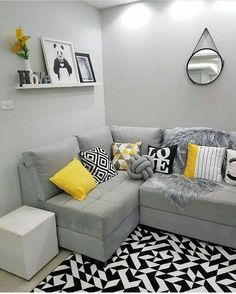 Simple home decorations color schemes ideas House Decor Rustic, Small Living Room Decor, Home Living Room, Apartment Decor, Small Apartment Living Room, Living Room Decor Apartment, Home, Yellow Living Room, Simple Home Decoration