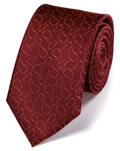 Buy our Burgundy and gold silk Oxford paisley classic tie exclusively from Charles Tyrwhitt of Jermyn Street, London. Tie A Necktie, Gold Tie, Charles Tyrwhitt, Designer Ties, Man Up, Burgundy And Gold, Men Fashion, Fashion Design, Tie And Pocket Square