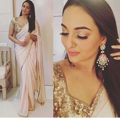 Gorgeous sonakshi sinha in its peach pink crepe saree with gold thin border and gold embroidery blouse To purchase mail us at houseof2@live.com or whatsapp us on +919833411702 for further detail #sari #saree #sarees #sareeday #sareelove #sequin #silver #traditional #ThePhotoDiary #traditionalwear #india #indian #instagood #indianwear #indooutfits #lacenet #fashion #fashion #fashionblogger #print #houseof2 #indianbride #indianwedding #indianfashion #bride #indianfashionblogger