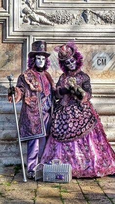 dressed near perfect. Venetian Costumes, Venice Carnival Costumes, Venetian Carnival Masks, Carnival Of Venice, Venetian Masquerade, Masquerade Attire, Masquerade Halloween Costumes, Creepy Halloween Decorations, Halloween Fun