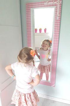 De mooiste spiegels voor meisjes vind je bij Kidsware... Home Bedroom, Girls Bedroom, My Little Girl, Girl Room, Room Inspiration, Playroom, Dorm, Baby Kids, Kids Fashion