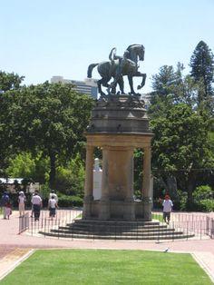 Cape Town, Sidewalk, Gardens, Birds, Statue, Places, Side Walkway, Outdoor Gardens, Walkway
