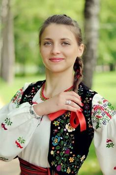 ★ Slavic Folk Costumes ★ - Page 4