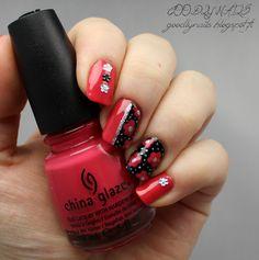 Goodly Nails: Kukkasia