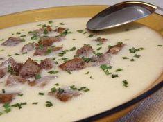 Klasszikus fokhagymakrémleves recept My Recipes, Soup Recipes, Dinner Recipes, Healthy Recipes, Hungarian Recipes, Food 52, Soups And Stews, Street Food, Food And Drink