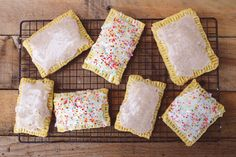 Homemade Pop-Tarts, going to make these with a variety of fillings that are super foods and maybe even hot pocket like.... thank you for the pin