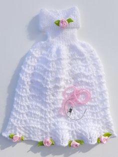 Puppenkleid stricken // Ballkleid für Puppen Crochet Doll Clothes, Barbie, Crochet Hats, Dolls, Fashion, Balls, Granddaughters, Twists, My Daughter