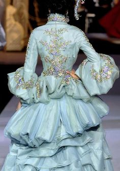 Details at Christian Dior Couture F/W 2007 (fashionsprose)