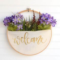 Crafts For Bedroom No Sew DIY Home Decor Ideas - No-Sew DIY Embroidery Hoop Pocket Wreath - Easy No Sew Projects to Make for Bedroom,. Kitchen, Bath - Crafts to Make and Sell, Blankets, No Sewing Project Ideas Diy Spring Wreath, Diy Wreath, Spring Crafts, Embroidery Hoop Crafts, Embroidery Hoop Art, Flower Embroidery, Couronne Diy, Diy Broderie, Floral Hoops