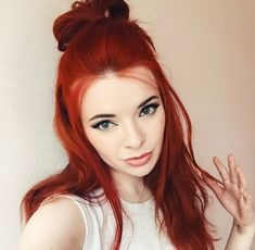 Red hair (Jane Aldridge) You are in the right place about red hair ariel Here we offer you the most Red Weave Hairstyles, Cool Hairstyles, Dye My Hair, New Hair, Dark Orange Hair, Red Hair Extensions, Beautiful Hair Color, Auburn Hair, Red Hair Color