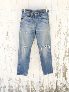Reserved for Kristy // SOLD // Vintage LEVIS 505 Jeans 28 Waist Distressed