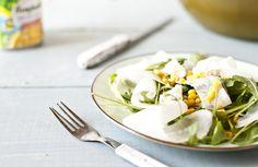 Sałatka z kukurydzy, białej rzodkwi i koziego sera #sałatka #sałatki #rzodkiew #kukurydza #ser #kozi #warzywneinspiracje #bonduelle