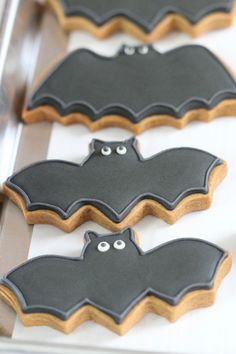 bat decorated cookies for halloween