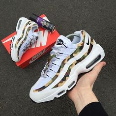 the latest 7c1d9 35938 Here is another dope  Airmax custom via  mattbcustoms Nike Air Max 95 - Camo