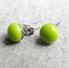 Green Stud Earrings Green Earrings Pea Green Stud by GLASPUNT